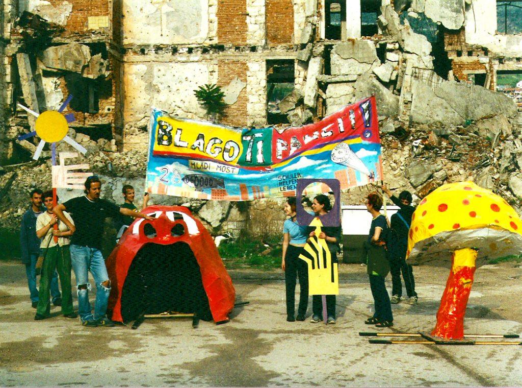 Recyklaze' exhibition procession